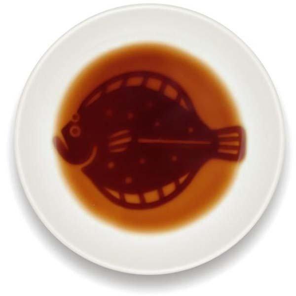 可・醤油を注ぐと?海鮮醤油皿 鮃の1枚目の写真