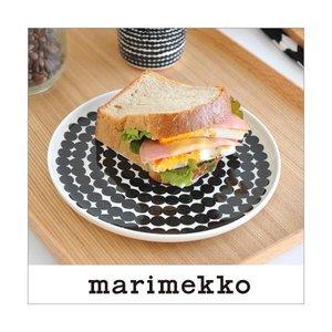 マリメッコ プレートドット柄 marimekko Siirtolapuutarha 20cm 99 190の1枚目の写真