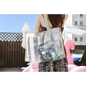 ICONIC Clear beach bag クリアビーチバック 4種類 クリアバッグ レディース トートバッグ ハンドバッグ 大容量 ビニールバッグ 夏 プール 海 透明バッグの1枚目の写真